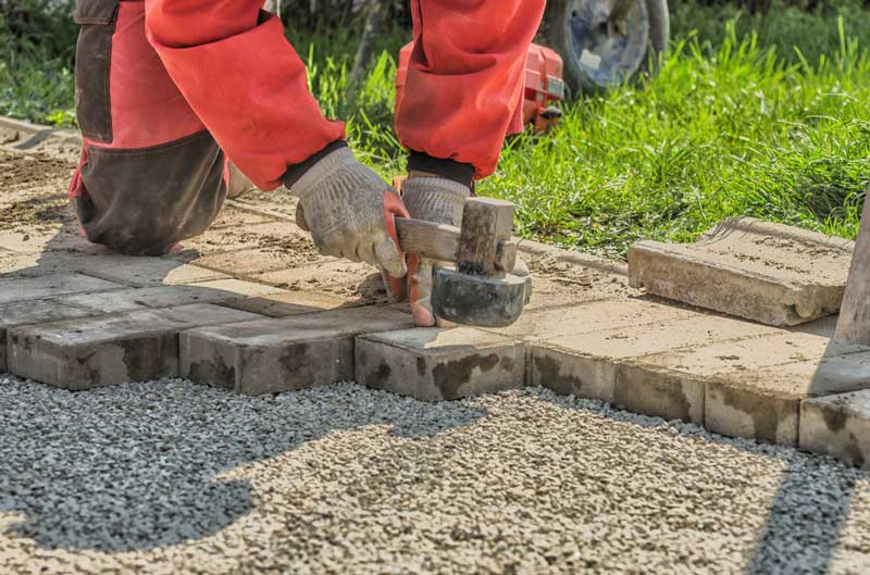 Bestrating laten leggen van terras tot sierbestrating for Tuin aan laten leggen
